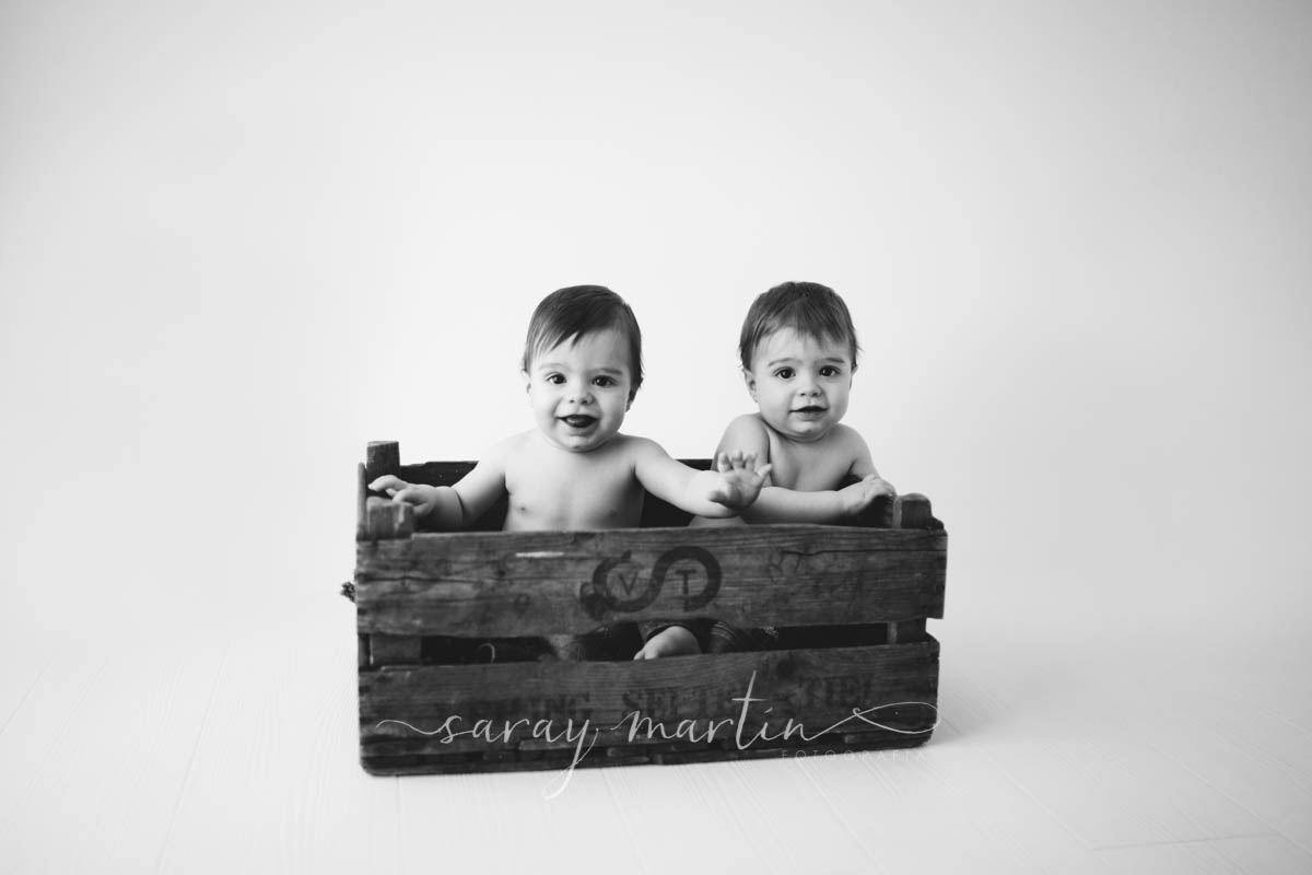 bebes en caja madera
